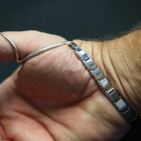 Thumb-MCP-with-Bracelet